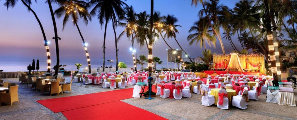 Unique Ideas to Enhance Stage Decor of Wedding Receptions in India