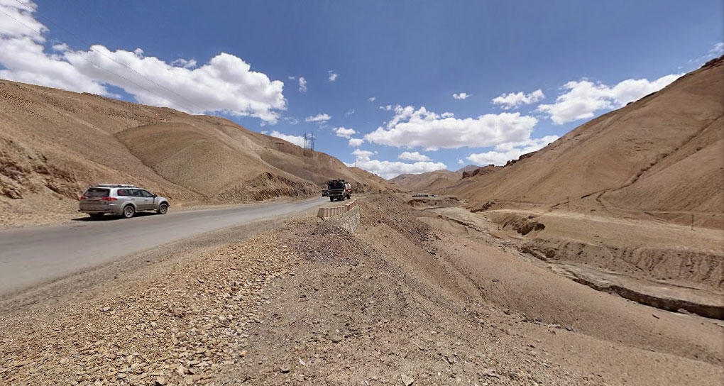 The desert begins! Getting closer to Leh