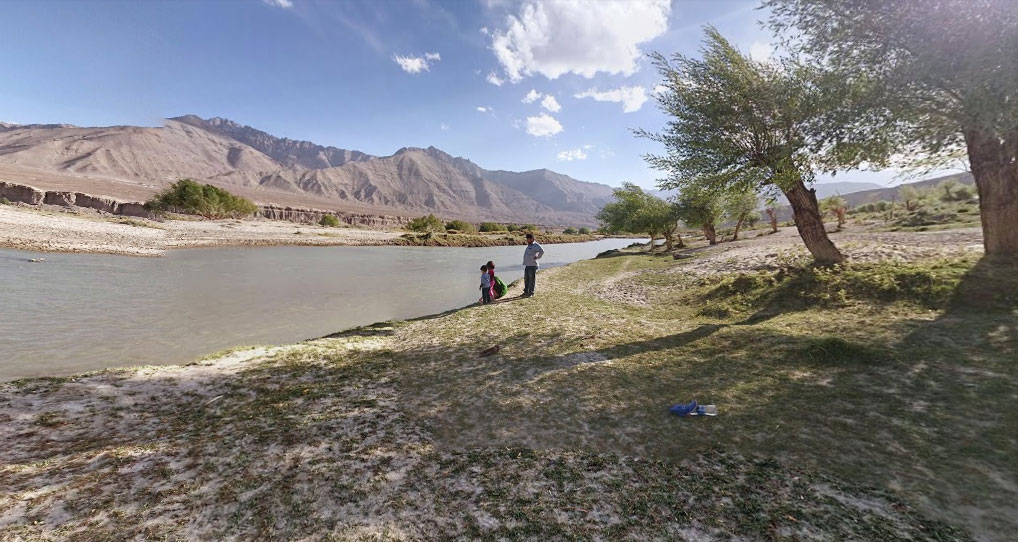 Peaceful spot on the banks of Indus River just before entering Leh from Kargil