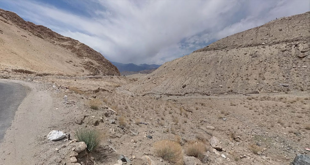 On the way to Nubra Valley – Khardung La Road