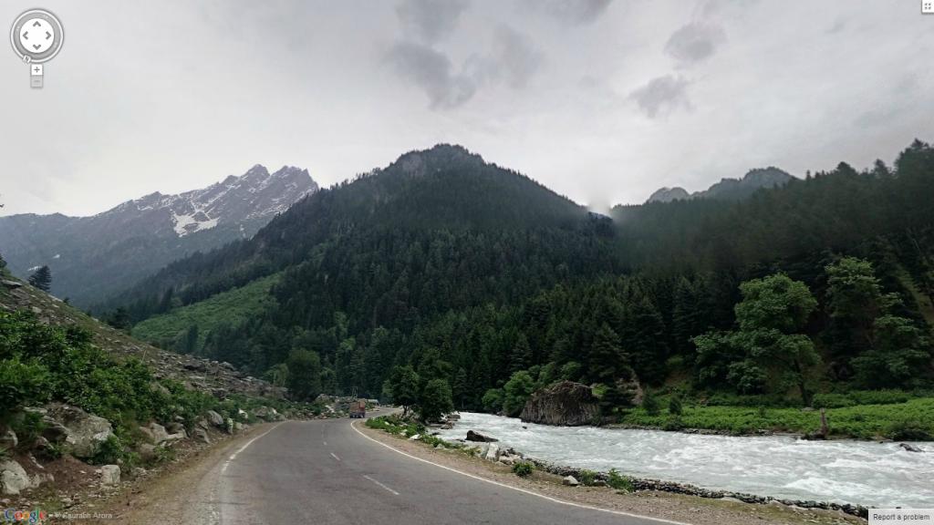 Beautiful spot on the Srinagar – Ladhak Highway befor Sonmarg